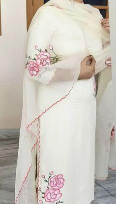 Best 12 Neue Sommerkollektion – Page 761812093200148069 – SkillOfKing. Patiala Suit Designs, Churidar Designs, Kurta Designs Women, Embroidery Suits Punjabi, Embroidery Suits Design, Embroidery Fashion, Designer Punjabi Suits, Indian Designer Outfits, Dress Neck Designs