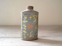 "Antique Talc powder tin, 1924 ""Zamir"" $15"