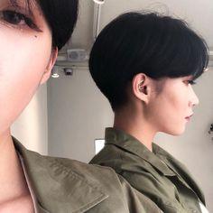 𝕔𝕙𝕒𝕚𝕪𝕦𝕟𝕜𝕚 ︴two block! Tomboy Hairstyles, Pixie Hairstyles, Pretty Hairstyles, Pixie Haircut, Asian Short Hair, Girl Short Hair, Short Hair Cuts, Asian Pixie Cut, Hair Inspo