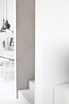 Here we showcase a a collection of perfectly minimal interior design examples for you to use as inspiration. Check out the previous post in the series: 25 Minimalist Interior, Minimalist Home, Interior Architecture, Interior And Exterior, Home Improvement Blogs, Interior Design Examples, Loft Style, Design Moderne, Scandinavian Home