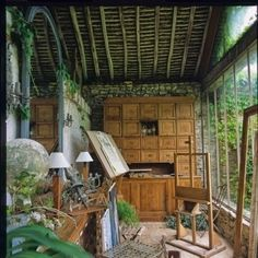 What a beautiful space for an #art #studio, I love all the #plants