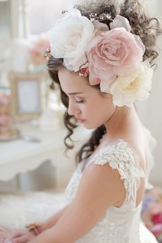 Marie Antoinette inspiration shoot: http://www.stylemepretty.com/canada-weddings/ontario/toronto/2014/07/21/marie-antoinette-inspiration-shoot/   Photography: http://kristafox.com/