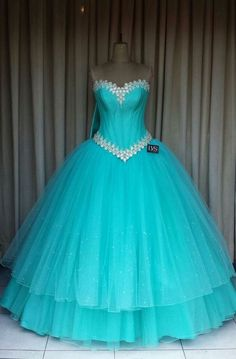 38db534dde 50 mejores imágenes de vestidos de 15 color azul