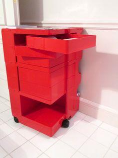 """Mueble para baño. """"Oficina para vivir"""", proyecto de Jean Nouvel. ISaloni2013, Milán. (Foto: Elizabeth Palacios/Ointeriores) http://www.obrasweb.mx/milan-2013"""