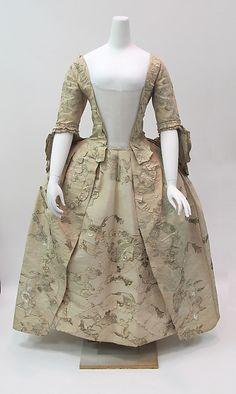 Dress Date: ca. 1747 Culture: British Medium: silk, metal Accession Number: 2014.138a, b