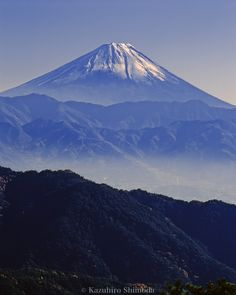 Mount Fuji by Kazuhiro Shimoda, via 500px. @Kuro NekoSan via Misaki S