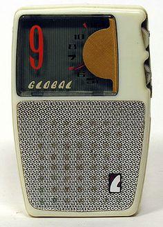 old radios (global transistor radio) Radio Record Player, Record Players, Mode Vintage, Retro Vintage, Lps, Poste Radio, Retro Radios, Radio Wave, Antique Radio