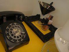 Love old telephones