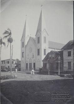De Rosakerk aan de Prinsenstraat in Paramaribo.  Datum: Locatie: Paramaribo, Suriname Vervaardiger: Inv. Nr.:  27-180 Fotoarchief Stichting Surinaams Museum