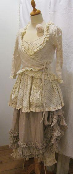 14d1d8373fdfa3b35efac308617b2ec2--wrap-shirt-layered-skirt.jpg 736×1,765 pixels