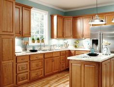 What To Consider Before You Decide To Buy Oak Kitchen Cabinets