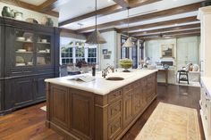 Love this! Check out more Gourmet Kitchens in HGTV FrontDoor's Doory Awards