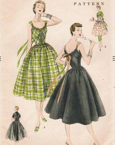 1950's Great Detailed dress pattern