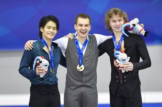 ユニバーシアード冬季競技大会(スペイン・グラナダ)の大会12日目、フィギュアスケート男子シングルで、日本代表選手団主将の小塚崇彦選手が銀メダルを獲得しました。(写真:アフロスポーツ)| チームがんばれ!ニッポン!(Japan Olympic Team) FBより (2048×1365) https://www.facebook.com/JapanOlympicTeam/photos/a.218106688211125.58394.209252052429922/878711905483930/?type=1&theater