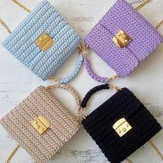 Marvelous Crochet A Shell Stitch Purse Bag Ideas. Wonderful Crochet A Shell Stitch Purse Bag Ideas. Crochet Backpack, Crochet Clutch, Crochet Handbags, Crochet Purses, Free Crochet Bag, Crochet Shell Stitch, Diy Crochet, Crotchet Bags, Knitted Bags