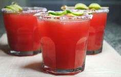Watermelon Margarita oh yummy. Margarita Drink, Watermelon Margarita, Fun Drinks, Yummy Drinks, Alcoholic Drinks, Beverages, Mango Cocktail, Cocktail List, Recipes