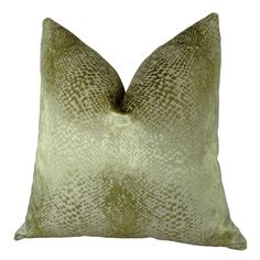 The gold, ivory scale metallic decorative throw pillow is an eye-catching addition to any home decor. The front fabric of this gorgeous upscale designer pillow is a blend of polyester and cotton from Turkey.