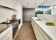 Original Wedge Shaped Block Overlooking the Pacific: Queenscliff House in Sydney