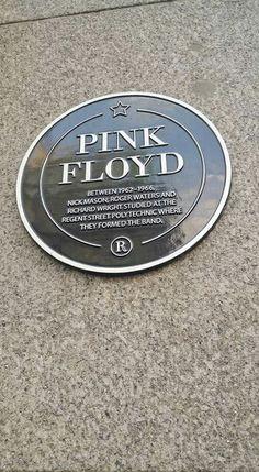 ♤♧ Pink Floyd Logo, Pink Floyd Art, Pink Floyd Roger Waters, Musica Punk, Light Music, Uk Music, David Gilmour, My Rock, Everything Pink