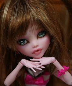 "Monster High ""Draculaura"" OOAK repaint .... Piper   eBay"