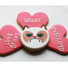 """Grumpy Cat Valentine Cookies are a Sassy Sourpuss 