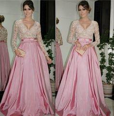 Continuando nosso revival das redes sociais selecionei nove vestidos de festa que blogueiras de moda usaram e fizeram sucesso em nossas rede...