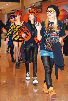 2ne1 I want daras sweater!!! Come visit kpopcity.net for the largest discount…