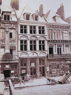 photographie d'une maison sur la grand place de lille au 19ème siecle