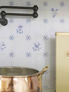 Distinctive Kitchen Backsplash Ideas
