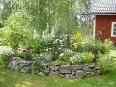 Garden alignment and landscape Garden Stones, Garden Paths, Garden Art, Garden Landscaping, Garden Design, Scandinavian Garden, Cool Landscapes, Dream Garden, Garden Planning