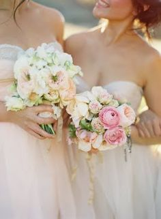 Pink bridesmaid bouquet: #pink #bouquet #bridesmaid: www.josevillablog.com