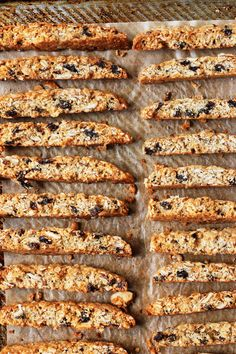 Granola Biscotti - when afternoon coffee meets breakfast Italian Christmas Cookie Recipes, Italian Cookie Recipes, Italian Cookies, Baking Recipes, Christmas Bread, Granola Cookies, Almond Cookies, Chocolate Cookies, Best Biscotti Recipe