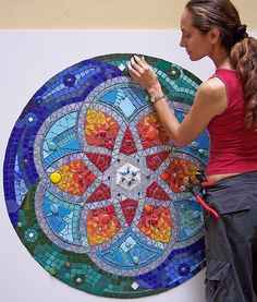 Mosaic Mandala by Fernanda Jaton. Mosaic Wall, Mosaic Glass, Mosaic Tiles, Stained Glass, Glass Art, Mosaic Mirrors, Sea Glass, Mosaic Designs, Mosaic Patterns
