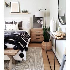 30 Gorgeous Bedrooms That You Can Totally Recreate At Home - Home - Bedroom Decor Bedroom Inspo, Home Bedroom, Bedroom Wall, Dream Bedroom, Tiny Master Bedroom, Large Bedroom, Bedroom Furniture, Bedroom Inspiration, Bedroom With White Walls