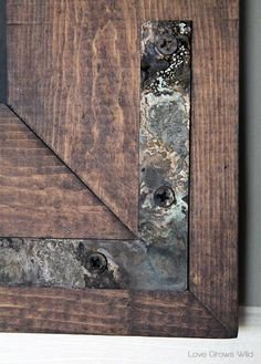 How to Instantly Age New Hardware - perfect for rustic decor! at http://LoveGrowsWild.com