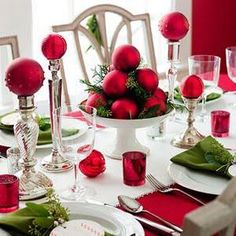 Fun Festive Christmas Table décor #Christmas #Holidays