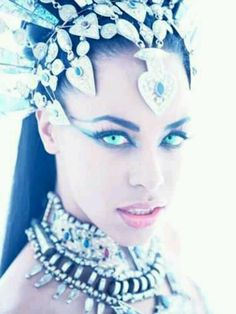 Queen of the Damned movie Akasha.  Aaliyah - sure do miss her... Loved her sultry walk in this movie!