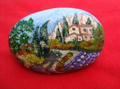 Galet peint,  paysage miniature peinture à l'huile vernie brillante.