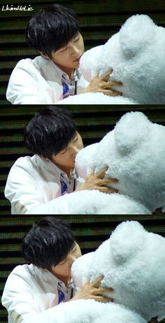 myungsoo. Awkward moment when I want to be that stuffed toy animal... :/