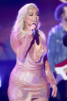 Bebe Rexha Attends Dick Clark's New Year's Rockin Eve with Ryan Seacrest 2018 in Los Angeles Bebe Rexha, Cute Girl Outfits, Hot Outfits, Beautiful Girl Image, Beautiful Women, Voluptuous Women, Celebrity Outfits, Hollywood Celebrities, White Girls