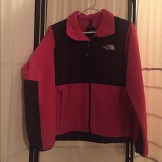 ⭕️Price Drop!⭕️ The North Face Denali Pink and brown North Face Denali. Good condition, no rips, damage, etc. The North Face Jackets & Coats