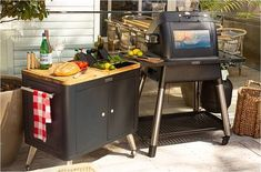 Cook your favorite food faster with this Everdure FORCE gas barbecue. The spacious cooking surface and instant searing let you start cooking for a group in just 5 minutes. Control the flame level and swap out cast-iron plates to suit every spread you want to grill on this Everdure FORCE gas barbecue. Cooking For A Group, Cooking Time, Grill Stand, Heston Blumenthal, Cast Iron Grill, Barbecue, Cool Things To Buy, Grilling, I Am Awesome
