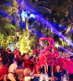 Wow #decor & this is a stunning #centrepiece at the wedding tables- A fairytale wedding of a dear friend #latergram #nishajamvwal #indianwedding #spectacular #weddingdiaries #bigfatindianwedding #weddingdres