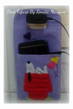 Porta cargador para celular snoopy