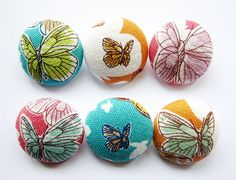 Sewing+Buttons+/+Fabric+Buttons++Butterflies++6+Large+Fabric