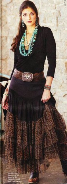 23 Georgeous Boho Fashion Ideas For Women That Will Beautifying Them Cowgirl Chic, Cowgirl Style, Gypsy Cowgirl, Western Style, Country Outfits, Western Outfits, Western Wear, Cowgirl Outfits For Women, Bohemian Mode