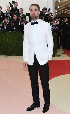 Robert Pattinson from Met Gala 2016: Red Carpet Arrivals | E! Online