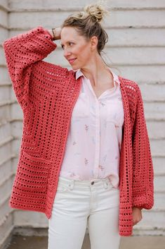 Easy Crochet Cardigan Video Tutorial – free pattern made from two hexagons OMG yes! This gorgeous sweater pattern is made from two simple hexagons and includes a video tutorial! It even uses one of my favorite Lion Brand Yarns (Vanna's Style). Crochet Bolero, Pull Crochet, Gilet Crochet, Crochet Cardigan Pattern, Crochet Jacket, Easy Crochet, Free Crochet, Knit Crochet, Crochet Sweaters