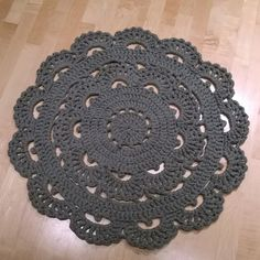 Crochet Doily Rug, Crochet Carpet, Knit Crochet, Crochet Patterns, Red Rugs, Table Toppers, Dorm Decorations, Carpet Runner, Diy And Crafts