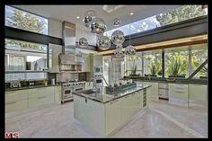 Massive kitchen with great drawer storage
